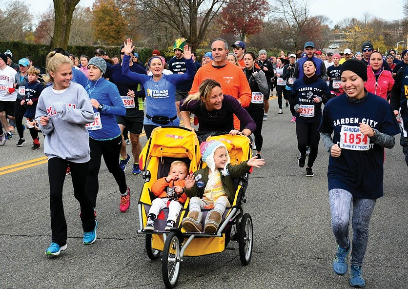 6200 runners from 38 different states participated in this years turkey trot held on thanksgiving - Garden City Turkey Trot